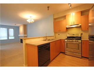 Photo 5: # 106 801 KLAHANIE DR in Port Moody: Port Moody Centre Condo for sale : MLS®# V1056991