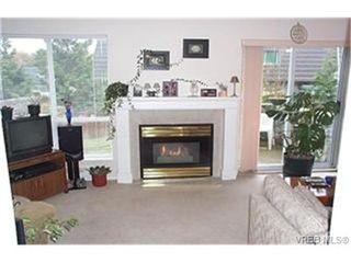 Photo 2: 12 3255 Rutledge St in VICTORIA: SE Quadra Row/Townhouse for sale (Saanich East)  : MLS®# 340367