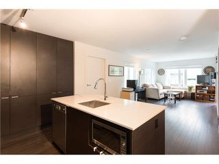 "Photo 3: 403 1673 LLOYD Avenue in North Vancouver: Pemberton NV Condo for sale in ""DISTRICT CROSSING"" : MLS®# V1073514"