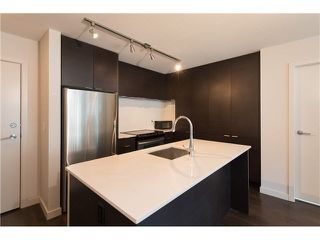 "Photo 2: 403 1673 LLOYD Avenue in North Vancouver: Pemberton NV Condo for sale in ""DISTRICT CROSSING"" : MLS®# V1073514"