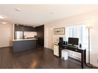 "Photo 11: 403 1673 LLOYD Avenue in North Vancouver: Pemberton NV Condo for sale in ""DISTRICT CROSSING"" : MLS®# V1073514"