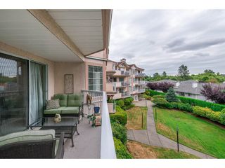 Photo 18: 208 5375 205 STREET in Langley: Langley City Condo for sale : MLS®# R2295267