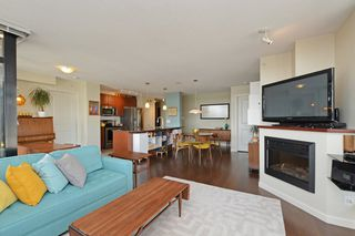 Photo 3: 705 610 VICTORIA STREET in New Westminster: Downtown NW Condo for sale : MLS®# R2356448