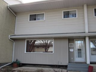 Photo 1: 53 Garden Crescent in St. Alberta: Townhouse for rent (St. Albert)