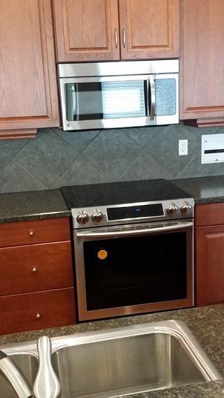 Photo 4: 522 STEWART Crescent in Edmonton: Zone 53 House for sale : MLS®# E4192186