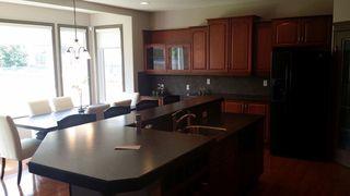 Photo 2: 522 STEWART Crescent in Edmonton: Zone 53 House for sale : MLS®# E4192186