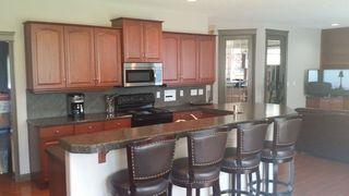 Photo 3: 522 STEWART Crescent in Edmonton: Zone 53 House for sale : MLS®# E4192186