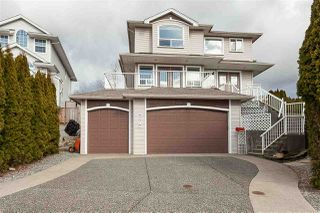 Photo 1: 8278 MCINTYRE Street in Mission: Mission BC House for sale : MLS®# R2448056