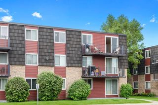 Photo 2: 17B 80 Galbraith Drive SW in Calgary: Glamorgan Apartment for sale : MLS®# A1009732