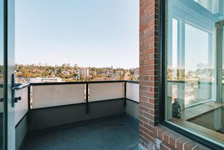"Photo 23: 607 10 RENAISSANCE Square in New Westminster: Quay Condo for sale in ""Murano Lofts"" : MLS®# R2492710"