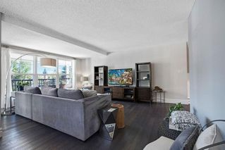 Photo 7: 123 STRAVANAN Bay SW in Calgary: Strathcona Park Detached for sale : MLS®# A1032318