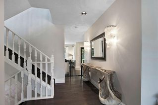Photo 5: 123 STRAVANAN Bay SW in Calgary: Strathcona Park Detached for sale : MLS®# A1032318