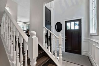 Photo 4: 123 STRAVANAN Bay SW in Calgary: Strathcona Park Detached for sale : MLS®# A1032318