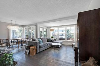 Photo 6: 123 STRAVANAN Bay SW in Calgary: Strathcona Park Detached for sale : MLS®# A1032318