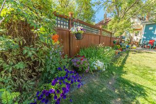 Photo 8: 833 23 Avenue SE in Calgary: Ramsay Detached for sale : MLS®# A1054731