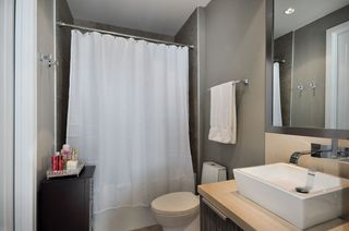 """Photo 8: 708 1616 COLUMBIA Street in Vancouver: False Creek Condo for sale in """"VILLAGE AT FALSE CREEK"""" (Vancouver West)  : MLS®# V931118"""