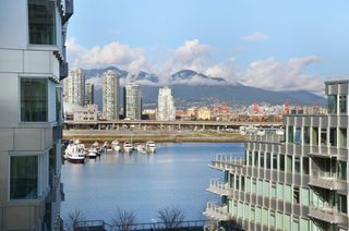 """Photo 10: 708 1616 COLUMBIA Street in Vancouver: False Creek Condo for sale in """"VILLAGE AT FALSE CREEK"""" (Vancouver West)  : MLS®# V931118"""