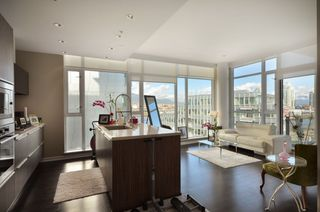 """Photo 4: 708 1616 COLUMBIA Street in Vancouver: False Creek Condo for sale in """"VILLAGE AT FALSE CREEK"""" (Vancouver West)  : MLS®# V931118"""