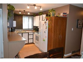 Photo 3: 2916 33rd Street West in Saskatoon: Westview Heights Semi-Detached for sale (Saskatoon Area 05)  : MLS®# 440512