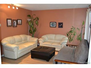 Photo 2: 2916 33rd Street West in Saskatoon: Westview Heights Semi-Detached for sale (Saskatoon Area 05)  : MLS®# 440512