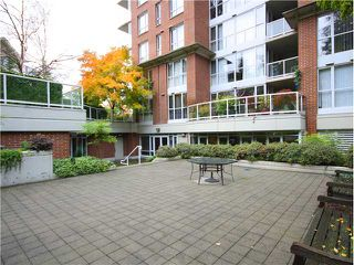 """Photo 8: 1202 5615 HAMPTON Place in Vancouver: University VW Condo for sale in """"THE BALMORAL"""" (Vancouver West)  : MLS®# V979021"""