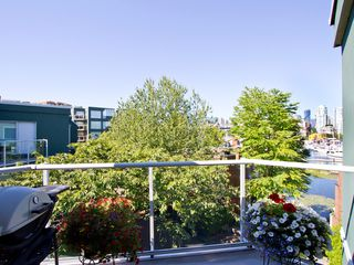 Photo 18: 302 1540 MARINER Walk in Vancouver: False Creek Condo for sale (Vancouver West)  : MLS®# V1016091