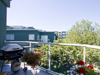 Photo 17: 302 1540 MARINER Walk in Vancouver: False Creek Condo for sale (Vancouver West)  : MLS®# V1016091