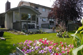 Photo 3: 79 Lakeside Drive in Winnipeg: Waverley Heights Single Family Detached for sale (South Winnipeg)  : MLS®# 1513162