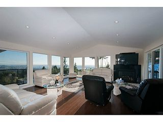 Photo 4: 586 CRAIGMOHR DRIVE in WEST VANCOUVER: Glenmore House for sale (West Vancouver)