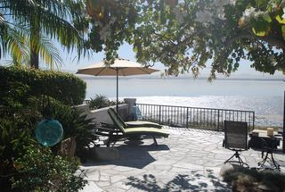 Main Photo: Townhome for sale : 3 bedrooms : 35 Aruba Bend in Coronado