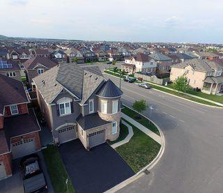 Photo 3: 451 Mockridge Terrace in Milton: Harrison Freehold for sale : MLS®# 30545444