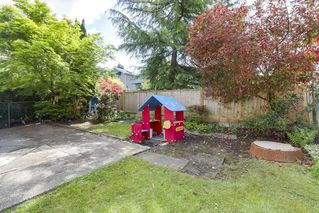 Photo 18: 320 E 34TH AVENUE in Vancouver: Main House for sale (Vancouver East)  : MLS®# R2279726