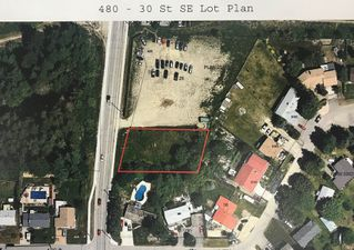 Main Photo: 480 Southeast 30 Street in Salmon Arm: SE Vacant Land for sale : MLS®# 10171761