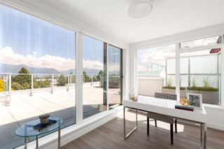Photo 14: PH501 379 E BROADWAY in Vancouver: Mount Pleasant VE Condo for sale (Vancouver East)  : MLS®# R2394605