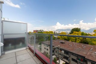 Photo 12: PH501 379 E BROADWAY in Vancouver: Mount Pleasant VE Condo for sale (Vancouver East)  : MLS®# R2394605