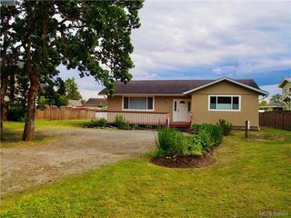 Photo 1: 835 Birch Rd in NORTH SAANICH: NS Deep Cove House for sale (North Saanich)  : MLS®# 840999