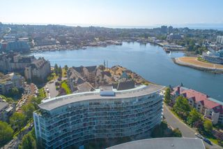Photo 2: 220 68 Songhees Rd in : VW Songhees Condo for sale (Victoria West)  : MLS®# 851113