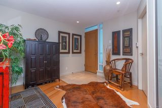 Photo 4: 220 68 Songhees Rd in : VW Songhees Condo for sale (Victoria West)  : MLS®# 851113