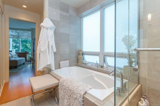 Photo 15: 220 68 Songhees Rd in : VW Songhees Condo for sale (Victoria West)  : MLS®# 851113