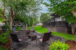 Photo 2: 139 Midvalley Place SE in Calgary: Midnapore Detached for sale : MLS®# A1040541