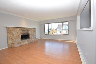 Photo 2: 7510 JAMES STREET in Mission: Mission BC House for sale : MLS®# R2515271