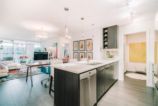 """Main Photo: 611 608 BELMONT Street in New Westminster: Uptown NW Condo for sale in """"Viceroy"""" : MLS®# R2529914"""