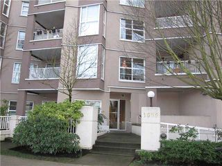 Photo 1: 102 1688 E 8TH Avenue in Vancouver: Grandview VE Condo for sale (Vancouver East)  : MLS®# V938122