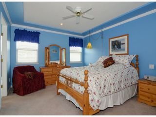 """Photo 7: 20640 93A Avenue in Langley: Walnut Grove House for sale in """"GREENWOOD ESTATES"""" : MLS®# F1303884"""