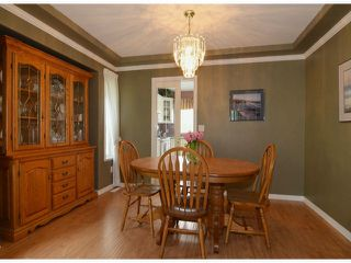 """Photo 3: 20640 93A Avenue in Langley: Walnut Grove House for sale in """"GREENWOOD ESTATES"""" : MLS®# F1303884"""