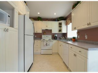 "Photo 4: 20640 93A Avenue in Langley: Walnut Grove House for sale in ""GREENWOOD ESTATES"" : MLS®# F1303884"