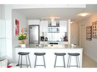 Photo 4: 2305 788 HAMILTON Street: Downtown VW Home for sale ()  : MLS®# V886900