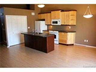 Photo 3: 272 MOUNT ROYAL Place in Regina: Mount Royal Condominium for sale (Regina Area 02)  : MLS®# 476624
