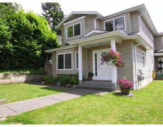 Photo 1: 235 W 19TH ST in North Vancouver: Central Lonsdale House 1/2 Duplex for sale : MLS®# V544538