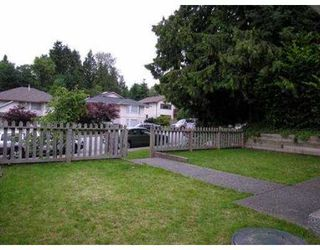 Photo 2: 235 W 19TH ST in North Vancouver: Central Lonsdale House 1/2 Duplex for sale : MLS®# V544538